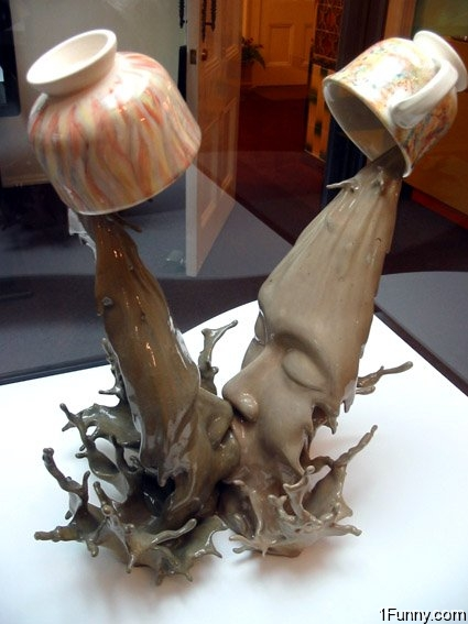 coffee_kiss_sculpture