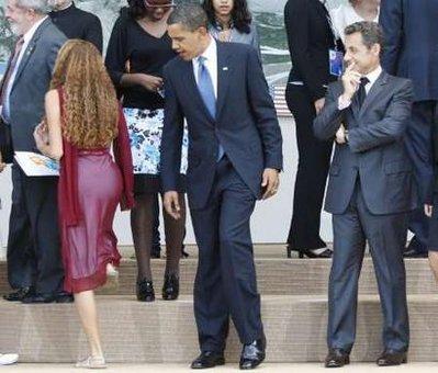 obama-staring-booty