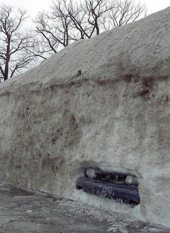 car stuck in snow 1funny com