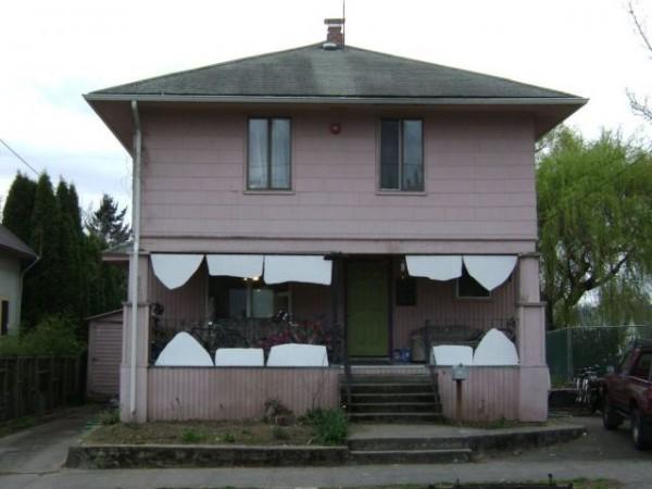 Bad Teeth House – 1Funny.com on bad modern building, bad apartment building, bad idea house building, bad team building, cheap home building,