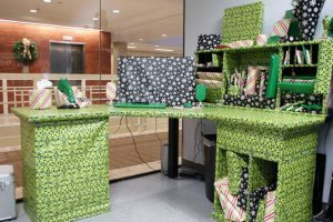 gift-wrapped-office