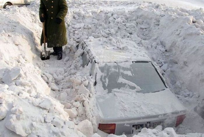 How To Get Frozen Snow Off Car