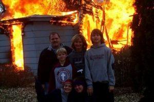 house-burning-family-photo