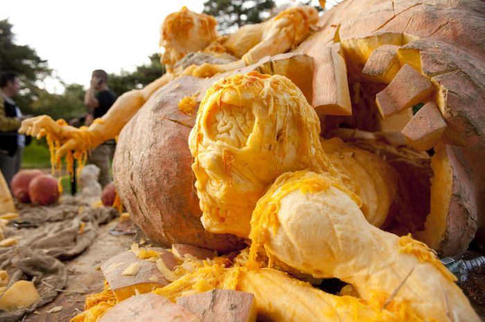 World S Largest Pumpkin Carving 1funny Com