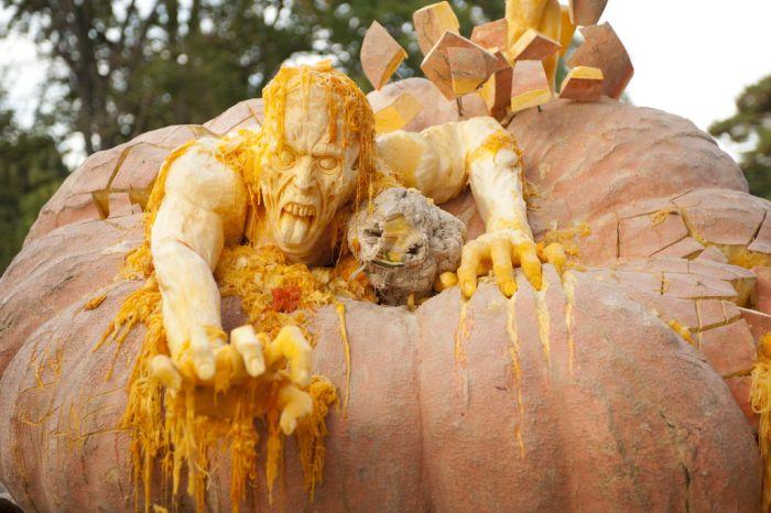 World's Largest Pumpkin Carving – 1Funny.com