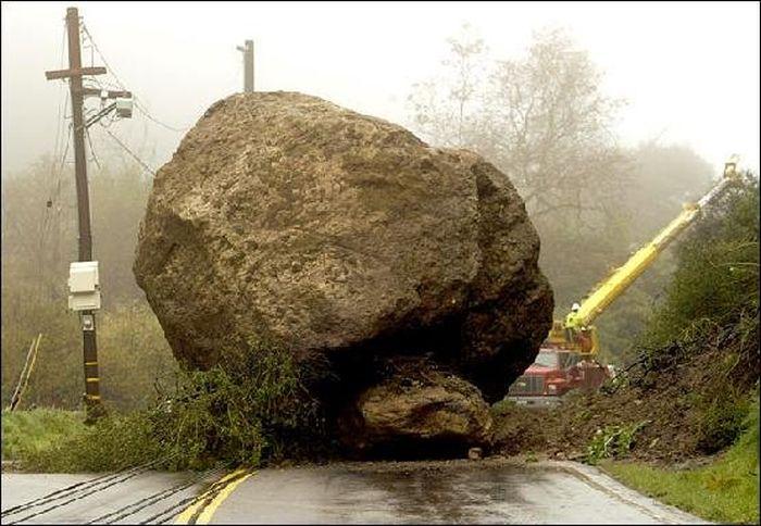 Zwykle na drodze stoi jeden, ogromny głaz, to go musisz pokonać!