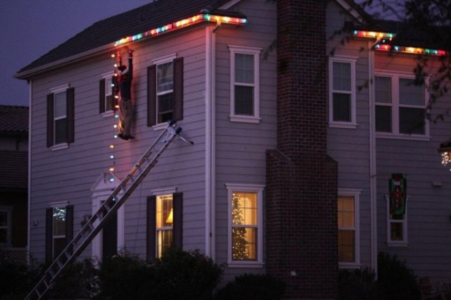 Funny Christmas Lights 5 Pics 1funny Com