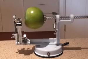 Apple Peeling Machine   1Funny.com