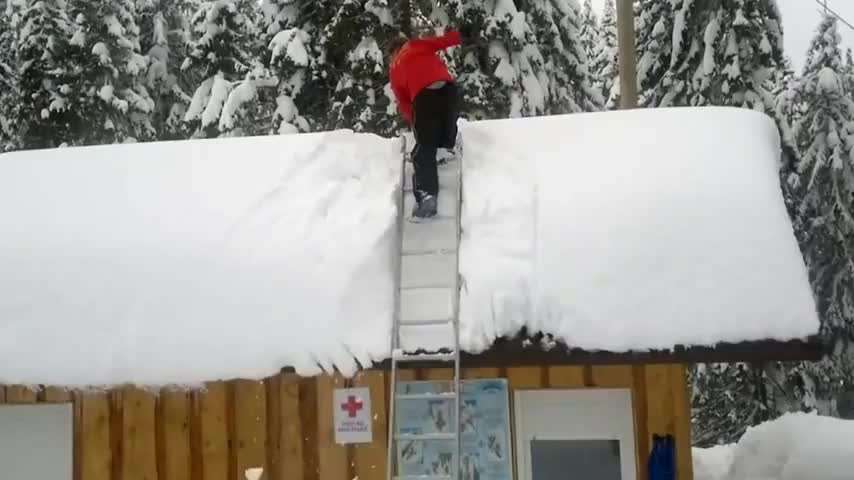 Quick Roof Snow Cleaning