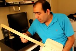 homemade-electric-guitar thumbnail