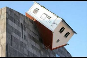 19-Weirdest-Houses-Ever-Built-Part-2