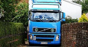 Amazing-Trucks-Driving-Skills-Awesome-Semi-Trucks-Drivers-Extreme-Lorry-Drivers-WIN-part-2