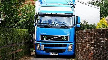 Amazing-Trucks-Driving-Skills-Awesome-Semi-Trucks-Drivers-Extreme-Lorry-Drivers-WIN-part-2