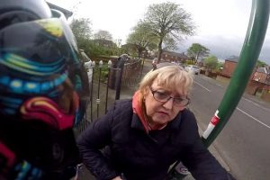 Rare-example-of-anti-road-rage-as-biker-has-near-miss-with-motorist