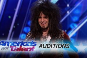 Jay-Jay-Philips-Musician-rocks-out-with-eclectic-style-on-his-keyboard-Americas-Got-Talent-2017