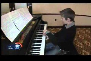 Piano-prodigy-surprises-parents