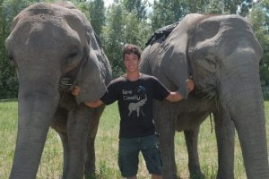 20-Year-Old-Acrobat-Performs-Tricks-With-His-Elephant-Family-BEAST-BUDDIES