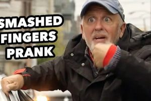 Fingers-SMASHED-By-Car-Door-Prank