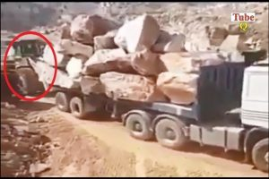 Amazing-Heavy-Equipment-Fails-Amazing-Truck-Driving-Skills
