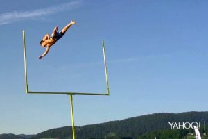 Football...-Daredevils-style-The-Human-Field-Goal