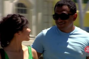 Blind-Man-Flirting-with-Women