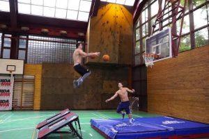 Epic-Basketball-Skills-and-Trick-Shots
