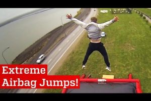Extreme-Airbag-Jumps