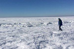 Whole-ocean-is-frozen-INSANE