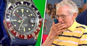 IN-1960-HE-BOUGHT-A-WATCH-AND-56-YEARS-LATER-HE-COULDNT-BELIEVE-WHAT-HE-HEARD