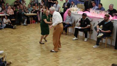 Amazing Dancing Boogie Woogie Senior Couple