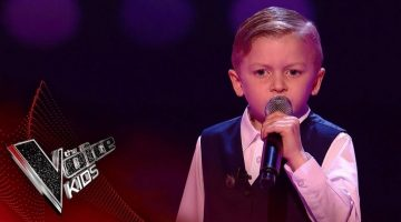 Shaney-Lee Performs 'Take Me Home Country Roads'