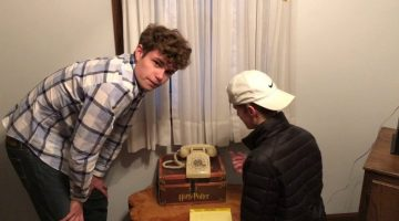 17 Year Olds Tries to Use a Rotary Phone