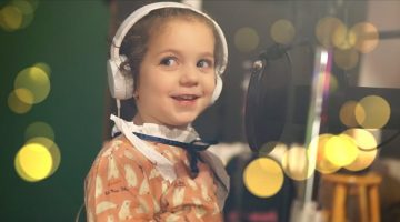 5 Year Old Sophie Fatu – Fly Me to the Moon (Frank Sinatra)