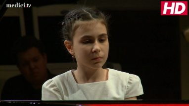 """Girl Performs """"The Most Difficult Song In The World"""" on Piano"""
