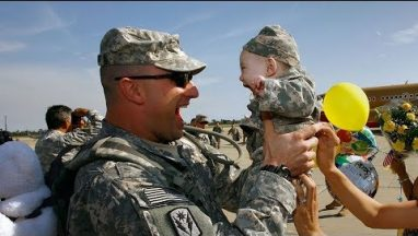 Soldiers Coming Home to Surprise Their Kids