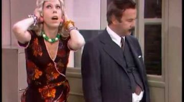 Mrs. Wiggins: Buzz Off – The Carol Burnett Show